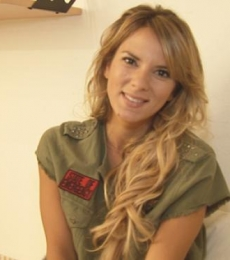 Contratar Gimena Accardi  (011-4740-4843) Onnix Entretenimientos