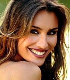 Contratar Paula Morales (011-4740-4843) Onnix Entretenimientos