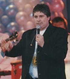 Contratar Daniel Cardozo (011-4740-4843) Onnix Entretenimientos
