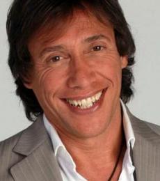 Contratar Fabian Gianola (011-4740-4843) Onnix Entretenimientos