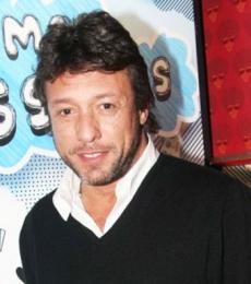 Contratar Claudio Perez (011-4740-4843) Onnix Entretenimientos