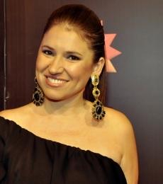 Contratar Fernanda Iglesias (011-4740-4843) Onnix Entretenimientos