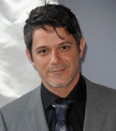 Contratar A Alejandro Sanz (011) 4740 4843 Onnix Entretenimientos