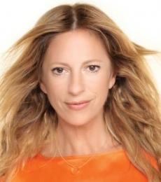 Contratar Claudia Fontan (011-4740-4843) Onnix Entretenimientos