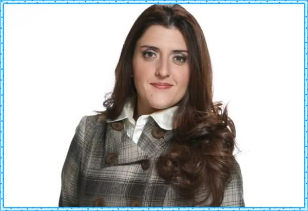 Contratar Lola Berthet (011-4740-4843) Onnix Entretenimientos