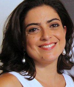 Contratar Paola Barrientos (011-4740-4843) Onnix Entretenimientos