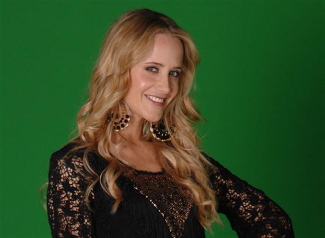 Contratar Julieta Prandi (011-4740-4843) Onnix Entretenimientos