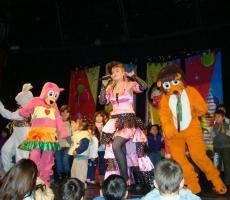 Mufy-cantando-con-mama-representante-christian-manzanelli-mufy-cantando-con-mama-contrataciones-shows-espectaculos