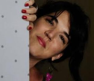 Contratar Natalia Carulias (011-4740-4843) Onnix Entretenimientos