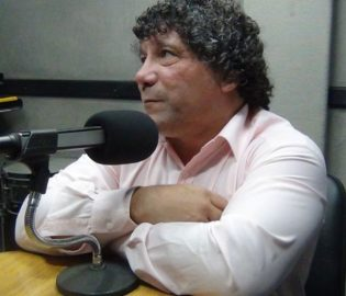 Contratar Victor Quinteros (011-4740-4843) Onnix Entretenimientos