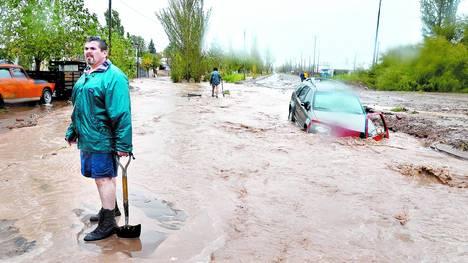 Lluvias Y Desastre Christian Manzanelli Representante Artistico