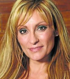 Contratar Marcela Tauro (011-4740-4843) Onnix Entretenimientos