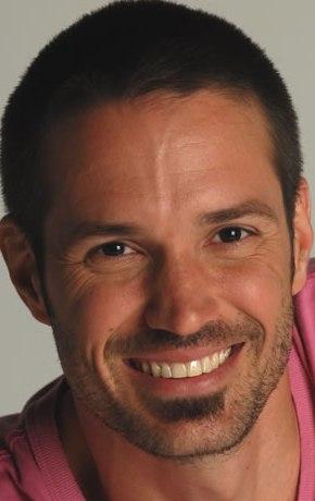 Contratar Alejandro Lacroix (011-4740-4843) Onnix Entretenimientos