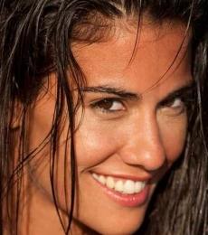 Contratar Delfina Gerez Bosco (011-4740-4843) Onnix Entretenimientos