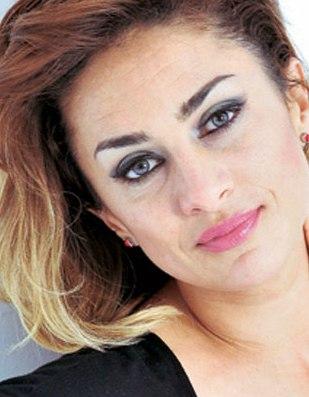 Contratar Maria Julia Olivan (011-4740-4843) Onnix Entretenimientos