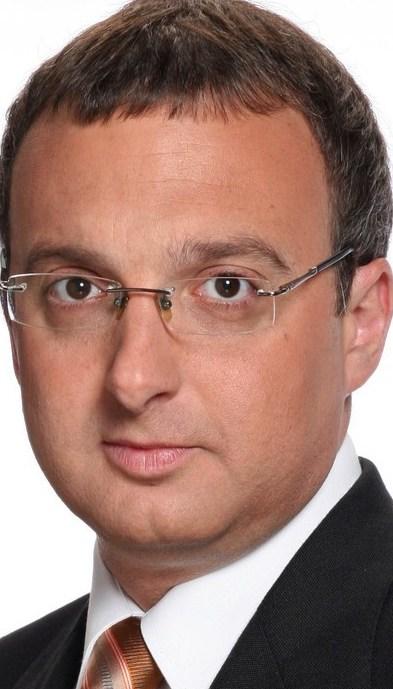 Contratar Mariano Yezze (011-4740-4843) Onnix Entretenimientos