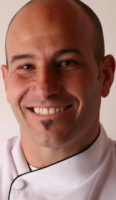 Contratar Martiniano Molina (011-4740-4843) Onnix Entretenimientos