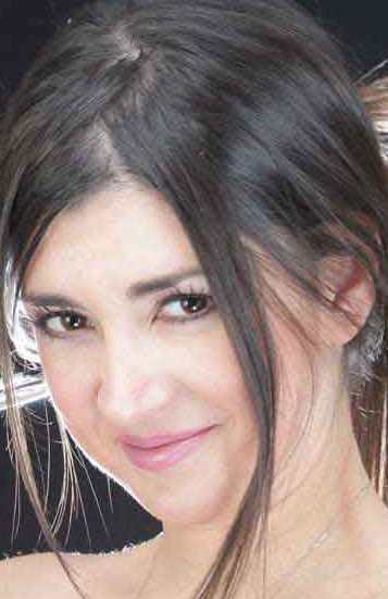 Contratar Silvina Fuentes (011-4740-4843) Onnix Entretenimientos