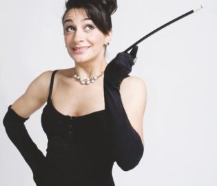 Contratar Anita Martinez (011-4740-4843) Onnix Entretenimientos