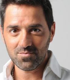 Contratar Mariano Iudica (011-47404843) Onnix Entretenimientos