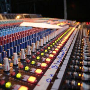 Alquila Sonido Para Eventos En Christian Manzanelli Representante Artistico (2)